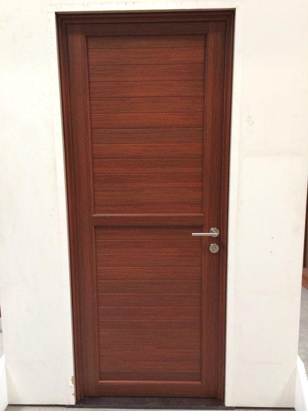 Puertas peque a entrada principal sencilla merialum for Puertas de entrada principal