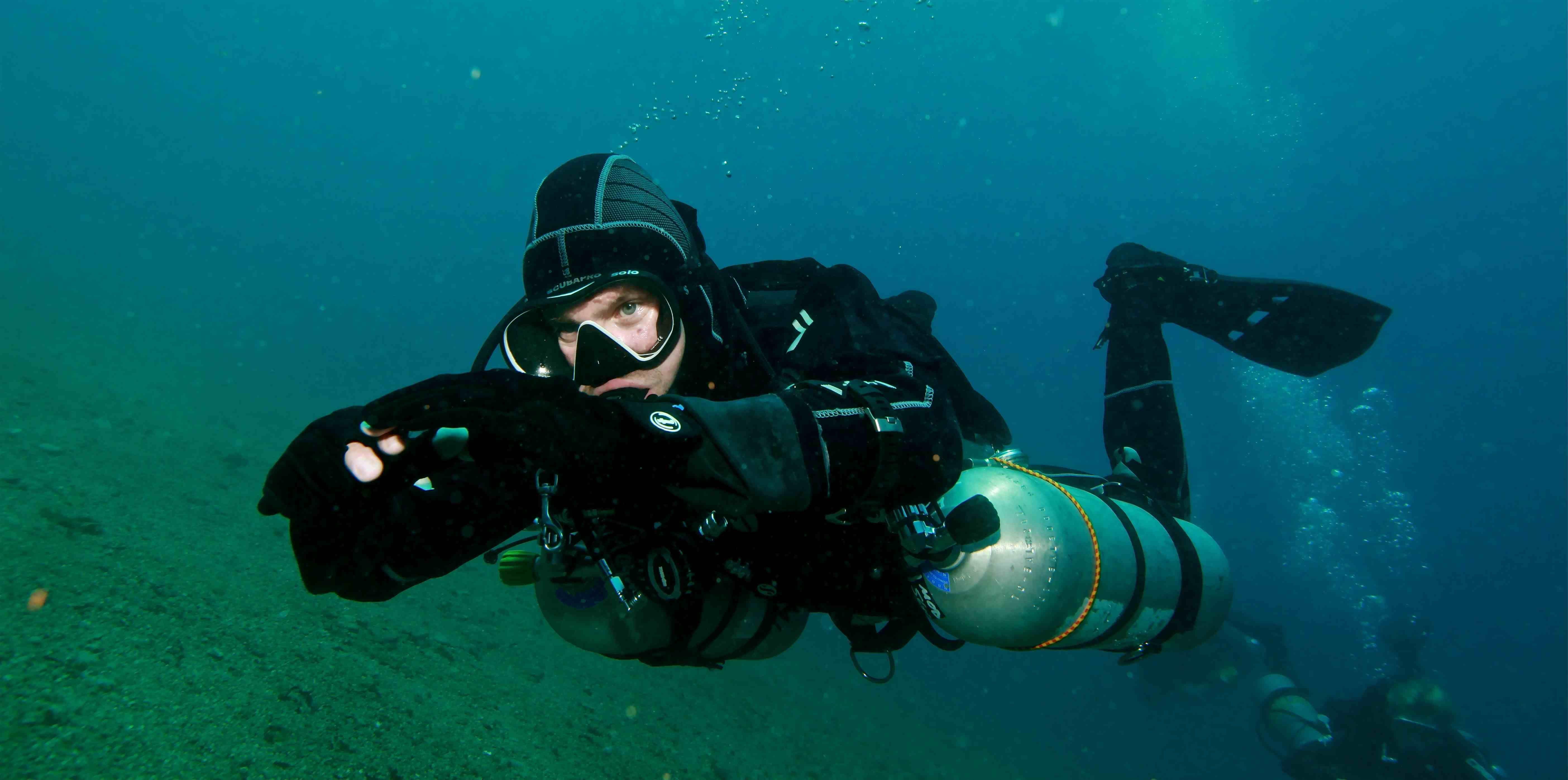 Madagaskar dive scuba diver pinterest scubas madagaskar dive xflitez Choice Image