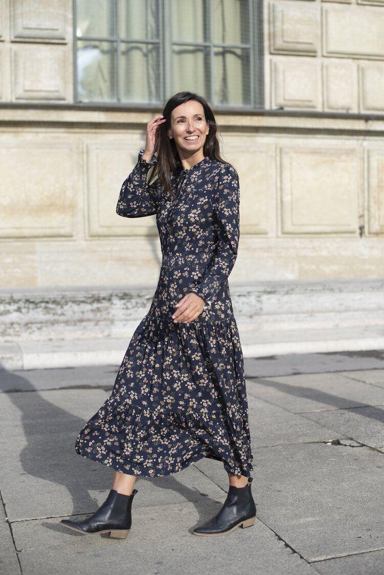 Das Blümchenkleid - nachhaltig, cool und Trend - Mode für Frauen