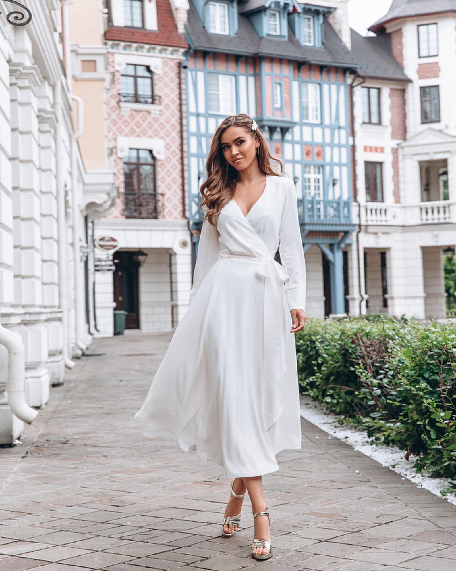 Pin on Gaun pengantin putih