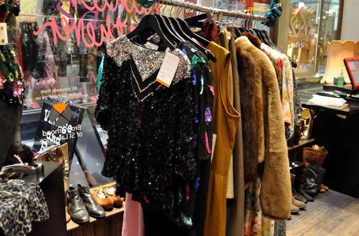 Melbourne S Best Op Shops Melbourne The Urban List Vintage Clothes Shop Op Shop Shopping Outfit