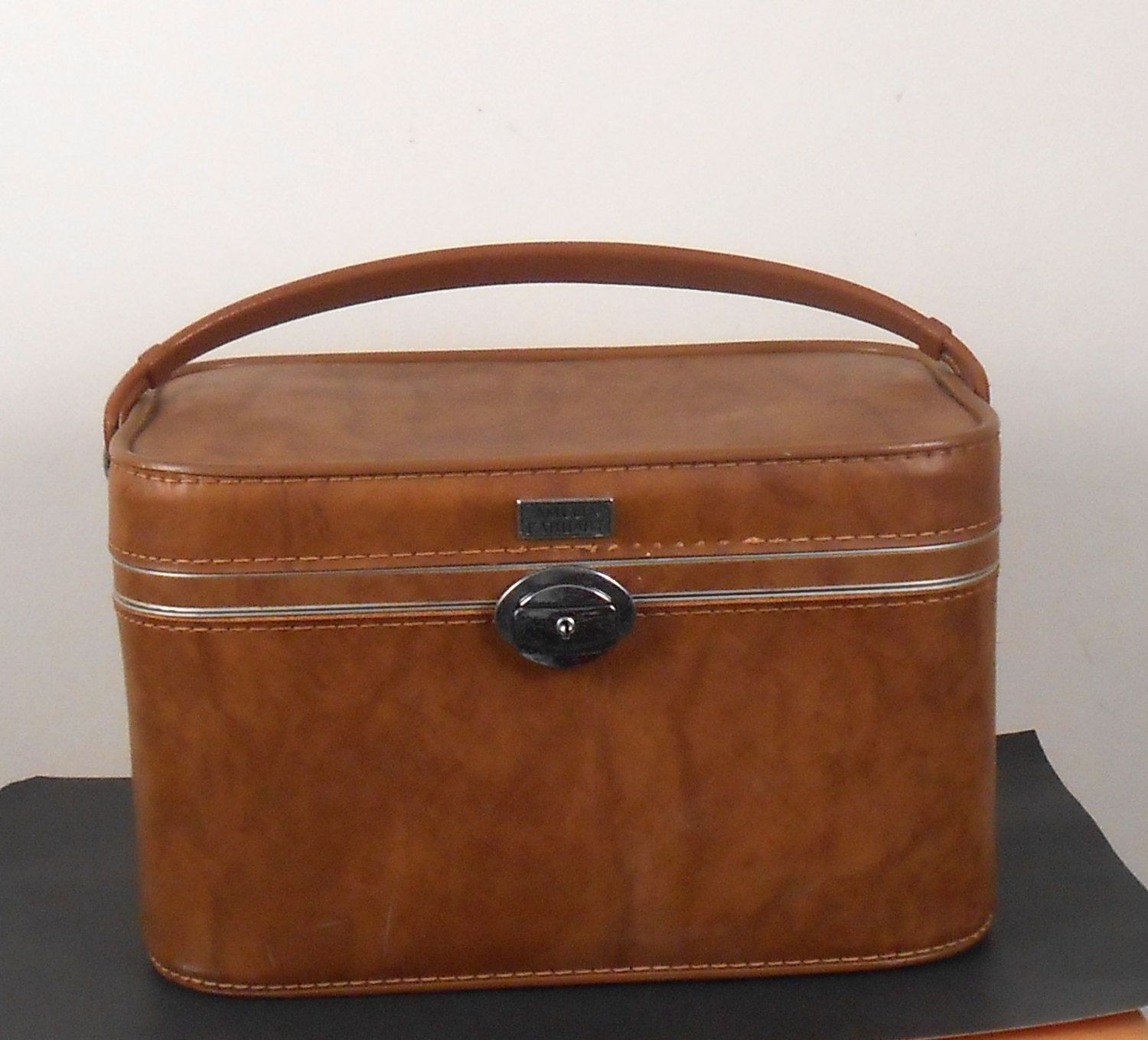 Amelia Earhart Cosmetic Bag Brown Luggage Travel Case