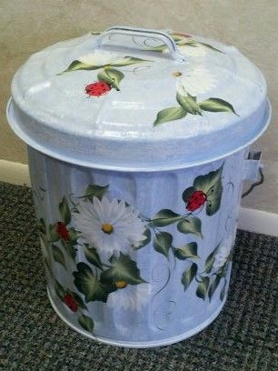 6 gallon hand painted galvanized can great for storage for Bird food holder