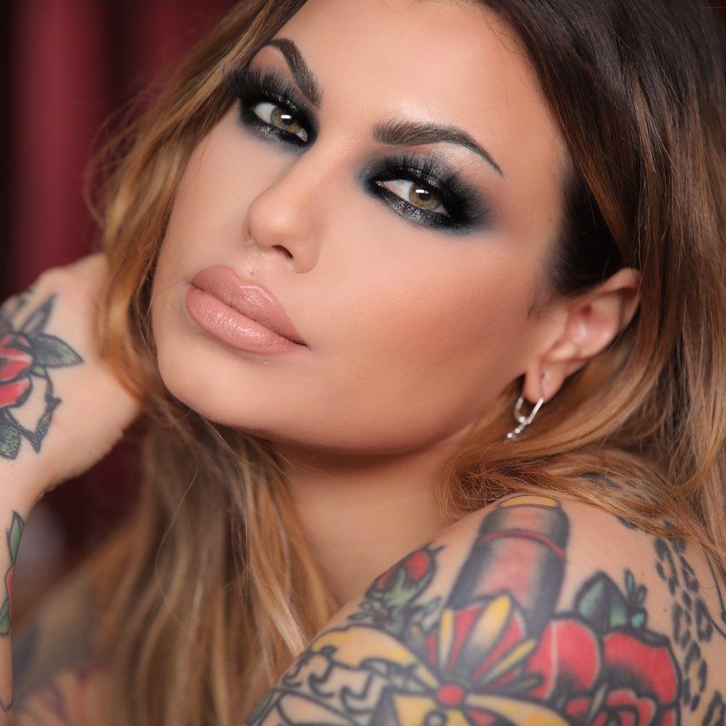 Bailey Sarian Narrates Her Makeup Tutorials With True