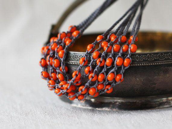 Grau-orange-Kette häkeln Perlen Halskette von 100crochetnecklaces ...