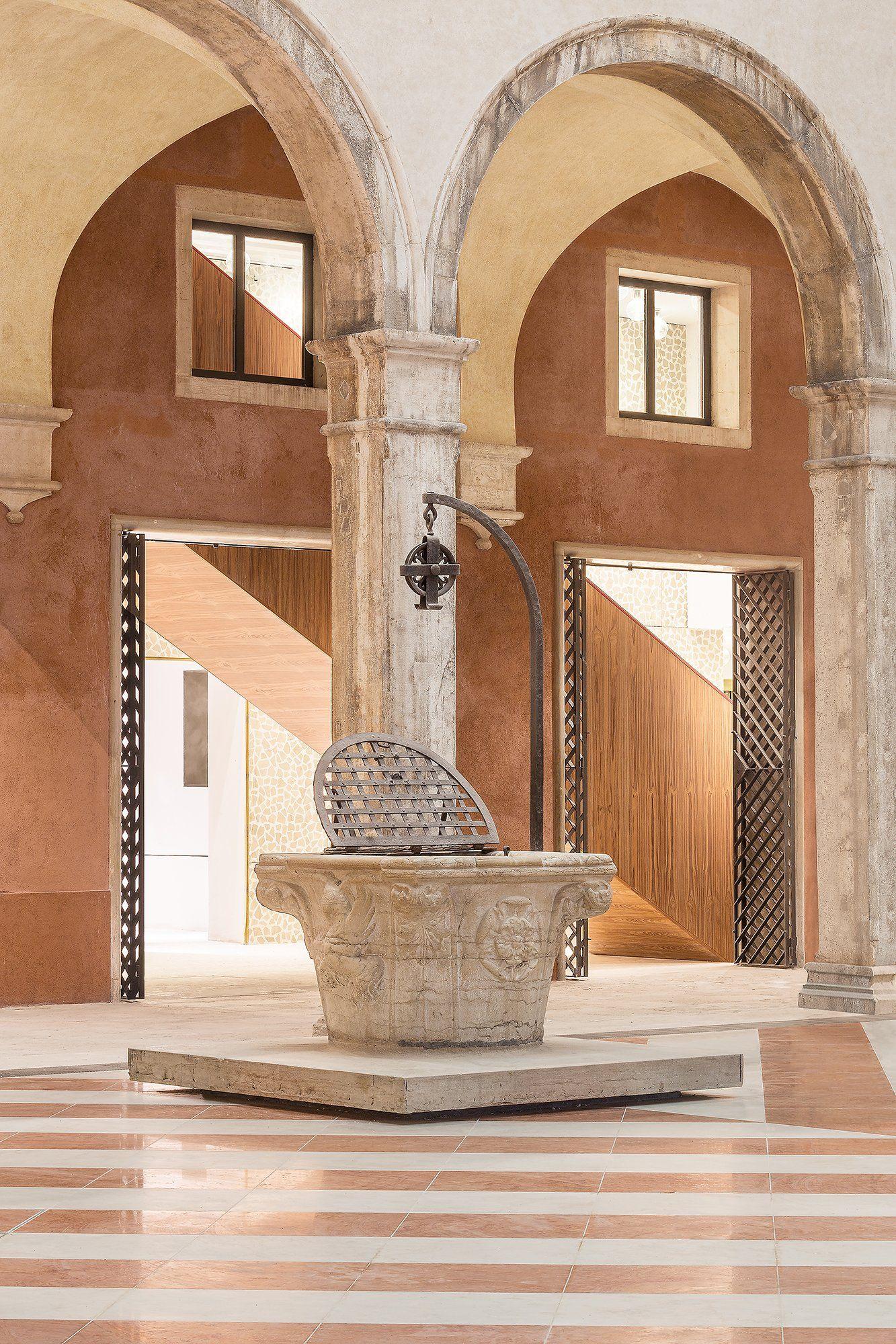 The Fondaco dei Tedeschi, Italia - Rem Koolhaas - Office for Metropolitan Architecture (OMA)