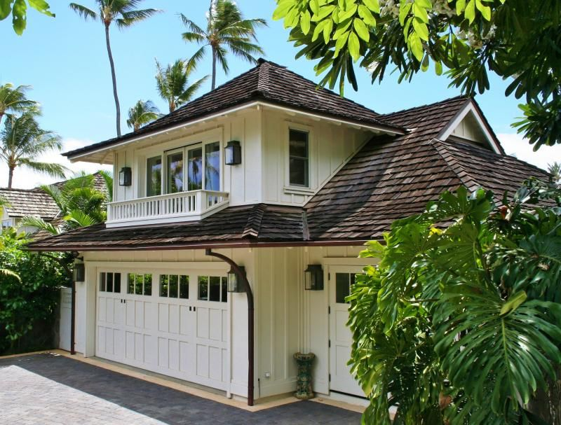 Hawaiian architecture note the nice two pitch roof for Hawaiian plantation architecture