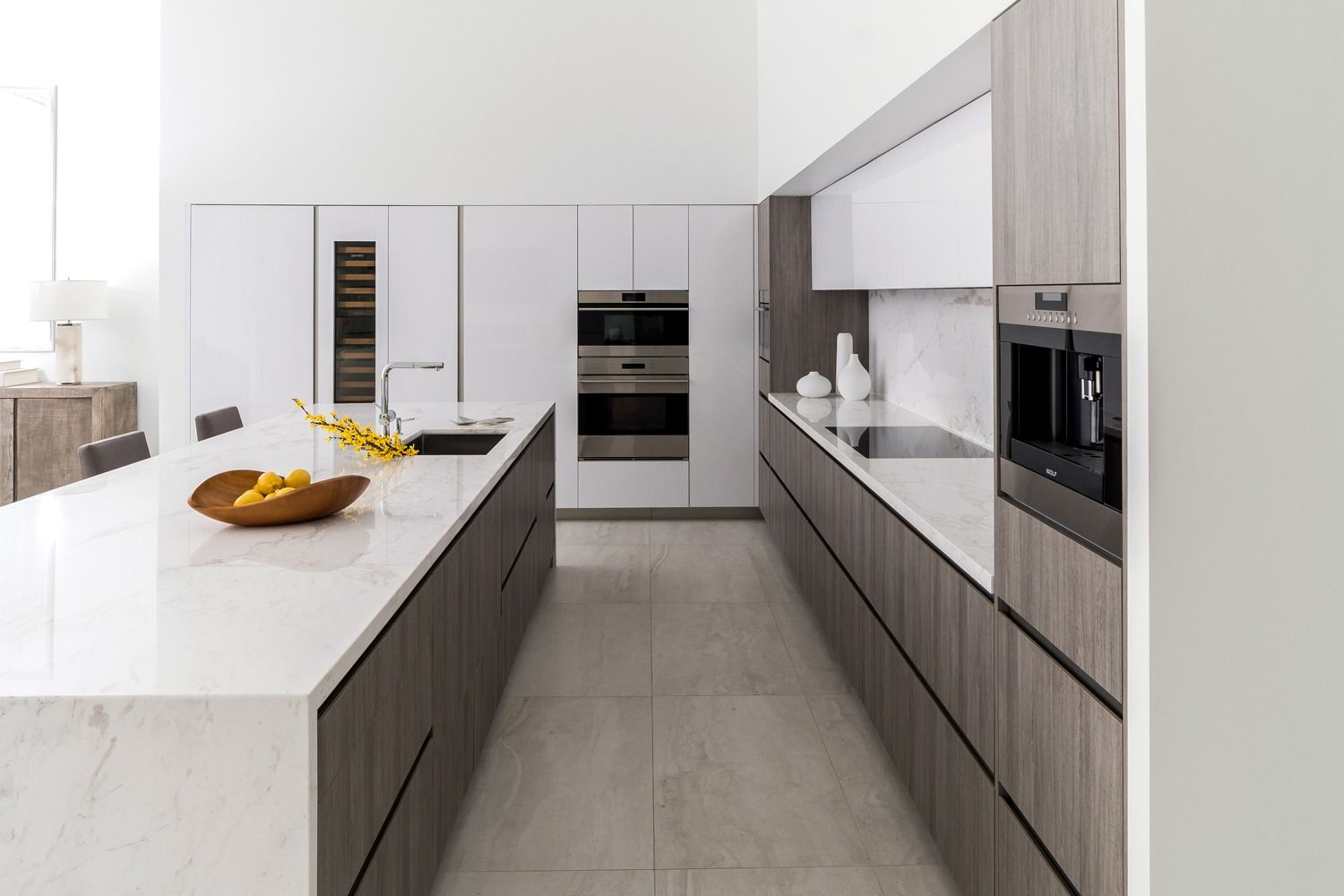 Snaidero Way Kitchen Cabinetry In Arctic White High Gloss Lacquer And Hampton Grey Melamine Palm In 2020 Kitchen Design Kitchen Cabinetry High Gloss Kitchen Cabinets