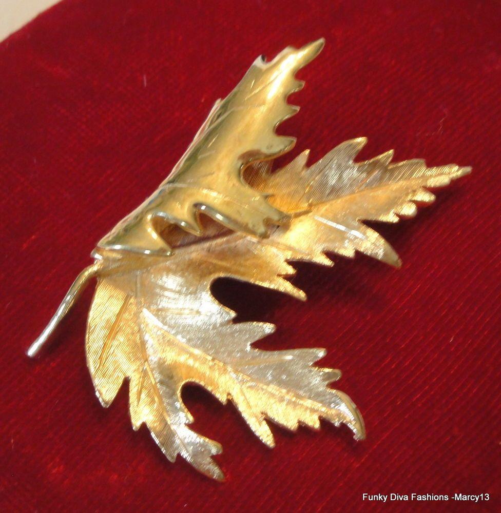 Elegant Vintage Textured  Gold Tone Fluttering Oak Leaf Pin Brooch Unmarked