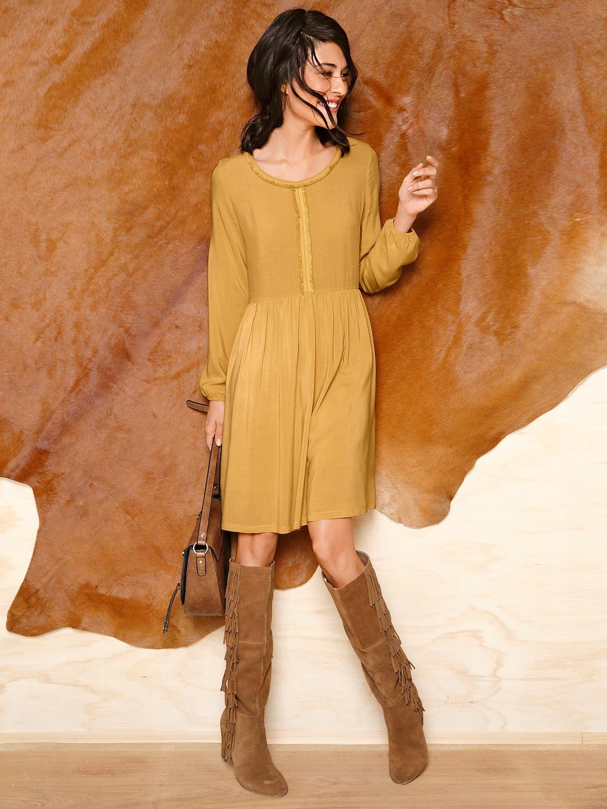 Senfgelb | Outfit ideen, Kleid mit ärmel, Damenmode