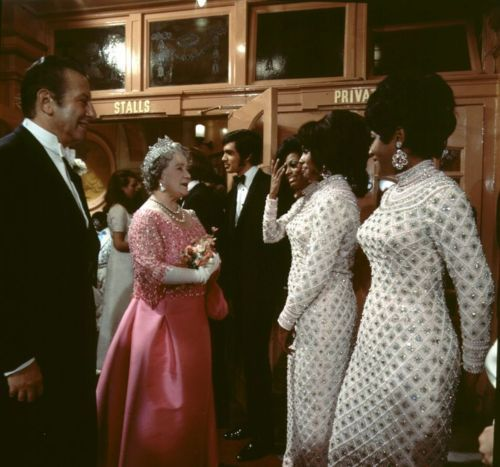 The Queen Mum meeting the Supremes