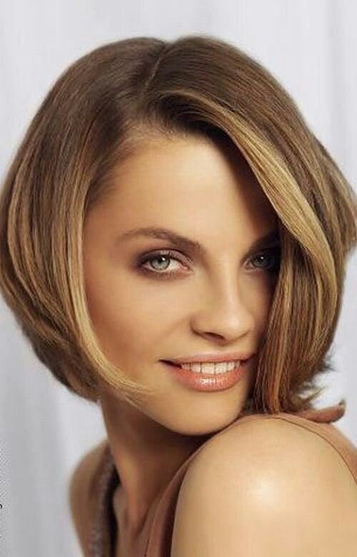 Pin By Estela Mercedes On Cabello Square Face Hairstyles Thick Hair Styles Trendy Short Hair Styles
