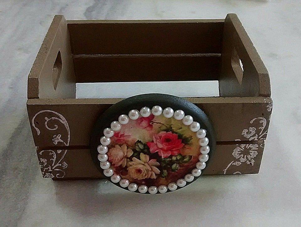 42525e7ff Mini caixote de mdf decorado com stencil, placa de mdf , decoupage e pérolas