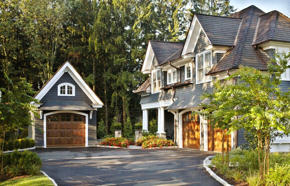 Awe Inspiring Carriage House Decorating Ideas For Glamorous Exterior Traditional Design Ideas With Arched Garage Door Traditional Exterior House Exterior House