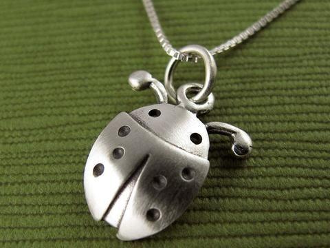 cbea58c24dbc Collar Mini Amigo Ladybug