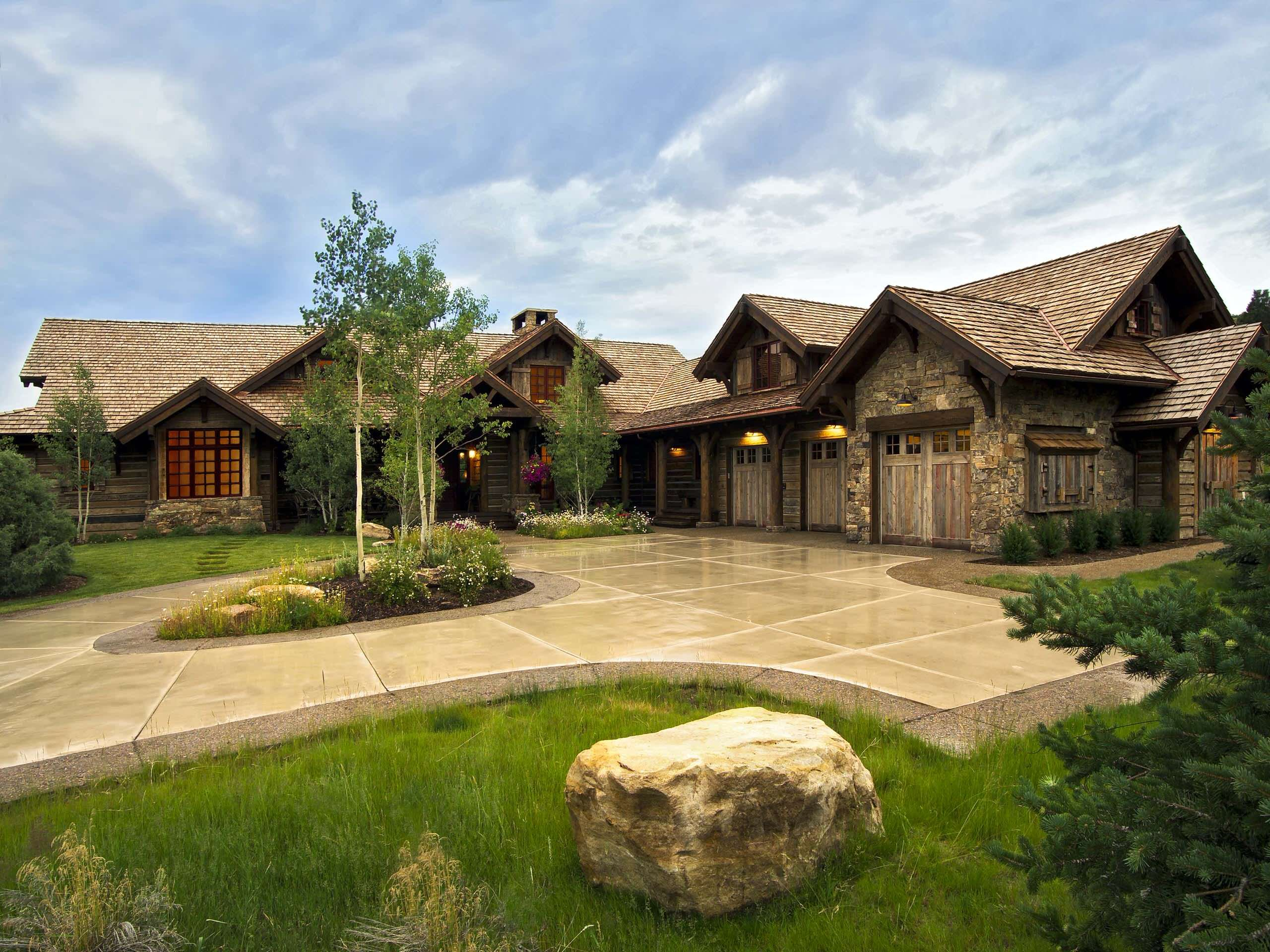 Harmonious Rustic Homes For Your Home Decor Beautiful Rustic Exterior Decoration For Rustic Homes W Rustic House Rustic Houses Exterior Mountain Home Exterior