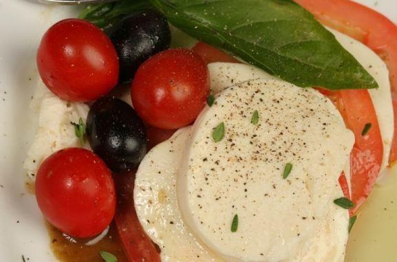 mozzarella, fresh tomatoes and fresh basil