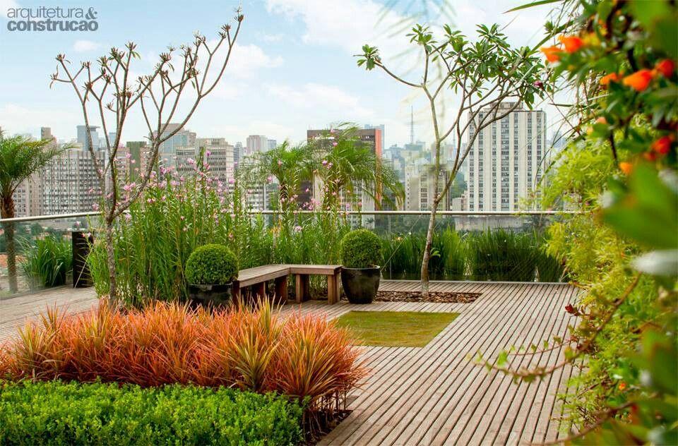 Jardin En La Terraza Del Edificio Terraza Verde Edificios Paisajismo