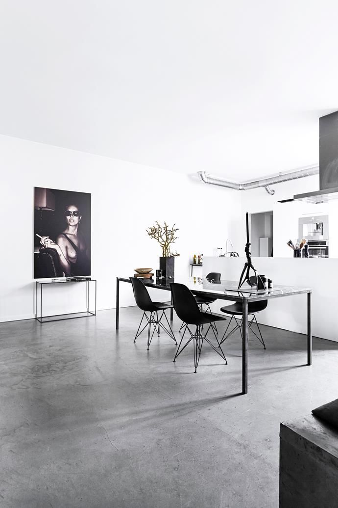 A Showroom Transformed Into A Chic Apartment Showroom, Fashion