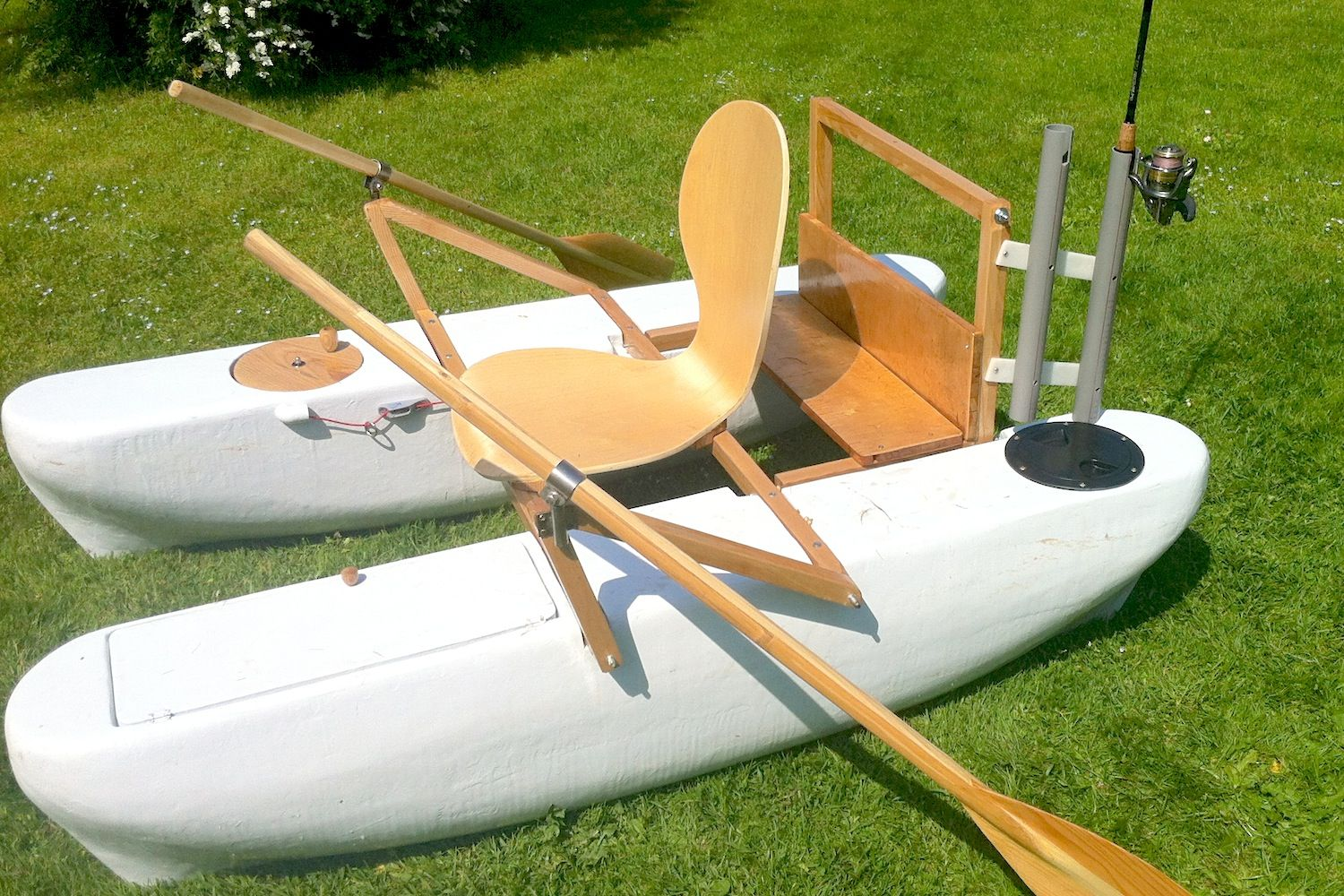 Mini pontoon boat with rod holders diy boat pinterest for Build fishing boat