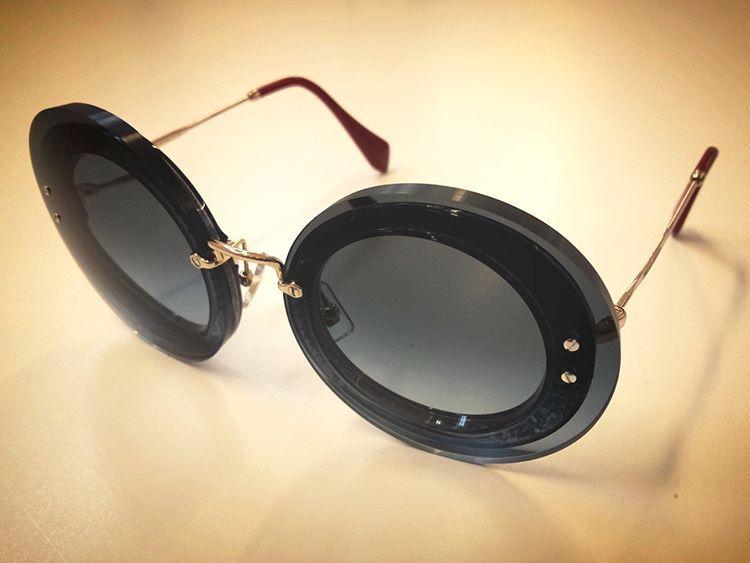 Nuovo montaggio speciale realizzato presso i nostri laboratori! 👓   Occhiale  miumiu mod SMU10R c649cc2f80