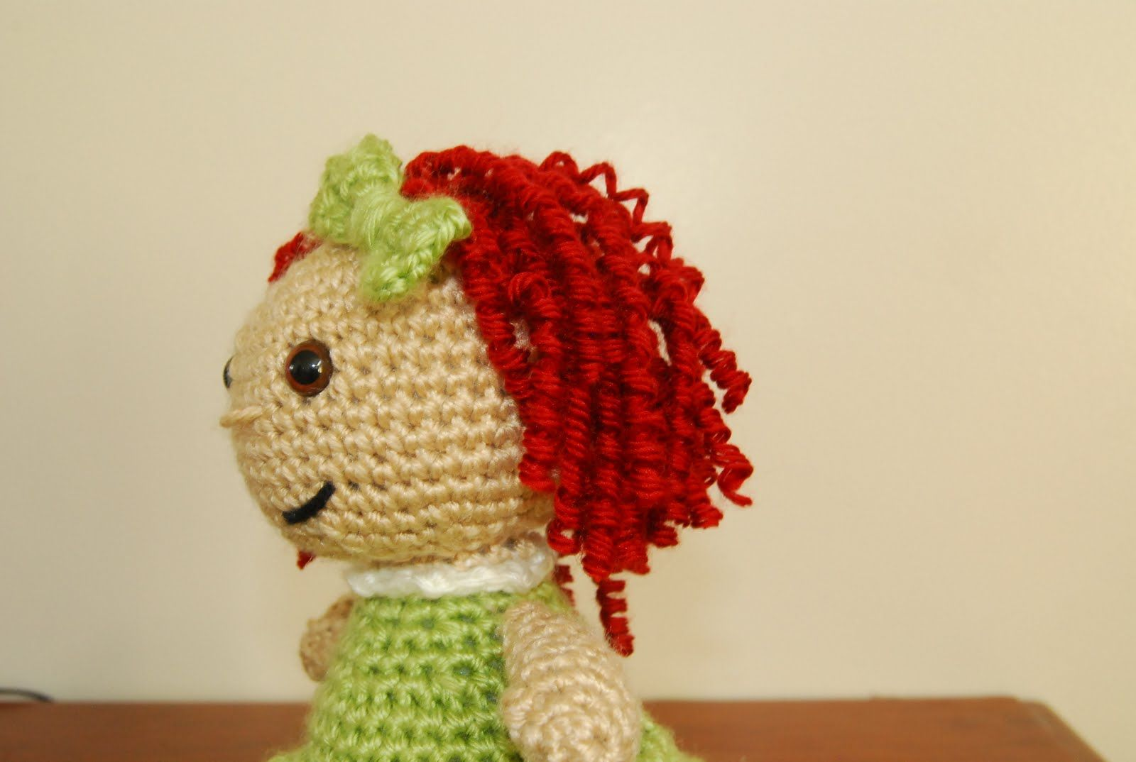 Amigurumi Curly Doll : Easy way to curl yarn make curly hair for amigurumi