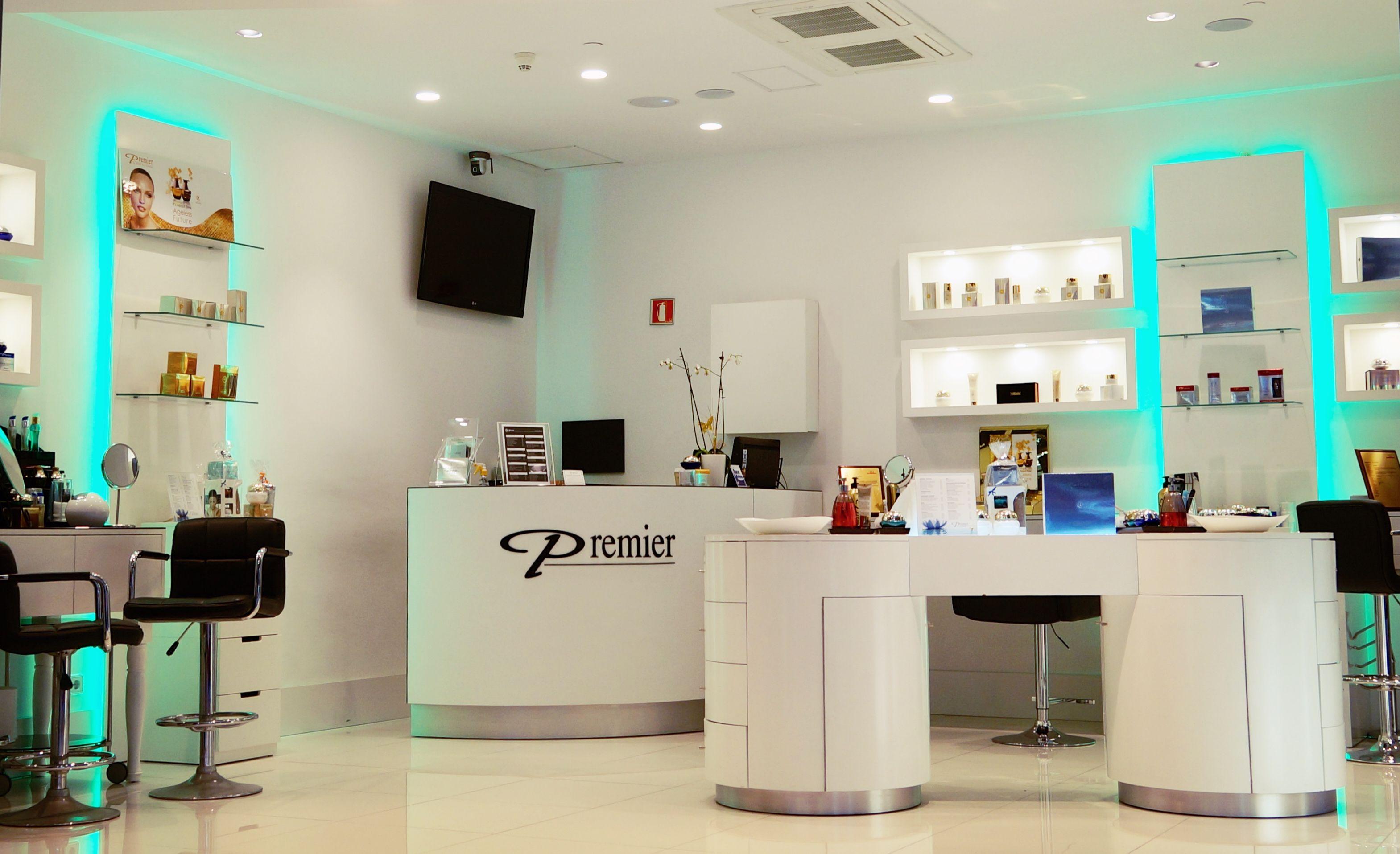 Tienda Premier Cosméticos en el Centro Comercial Arenas de Barcelona ...