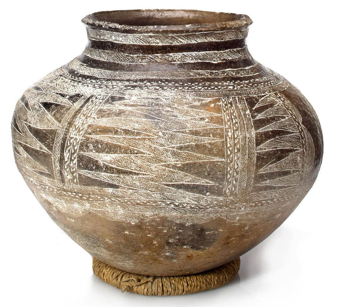 Africa | Water vessel from the Makonde people of Tanzania and Northern Mozambique | Terracotta