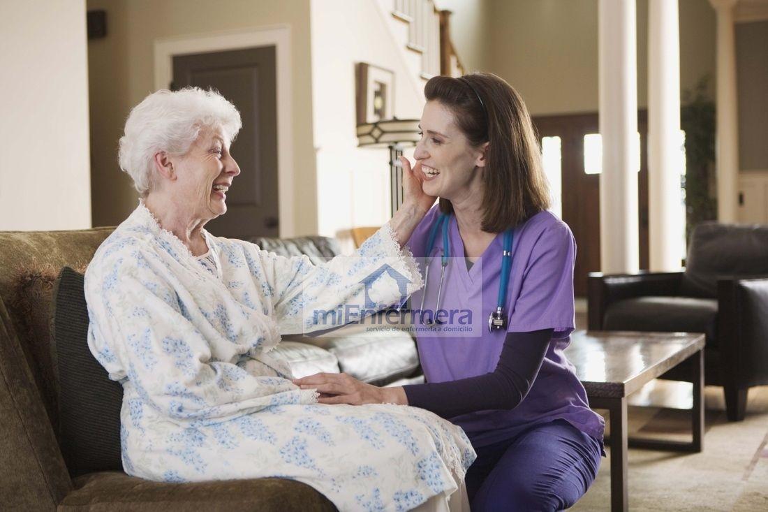 Qué Es La Enfermería A Domicilio Cuidado De Ancianos Servicios De Enfermeria Enfermeria