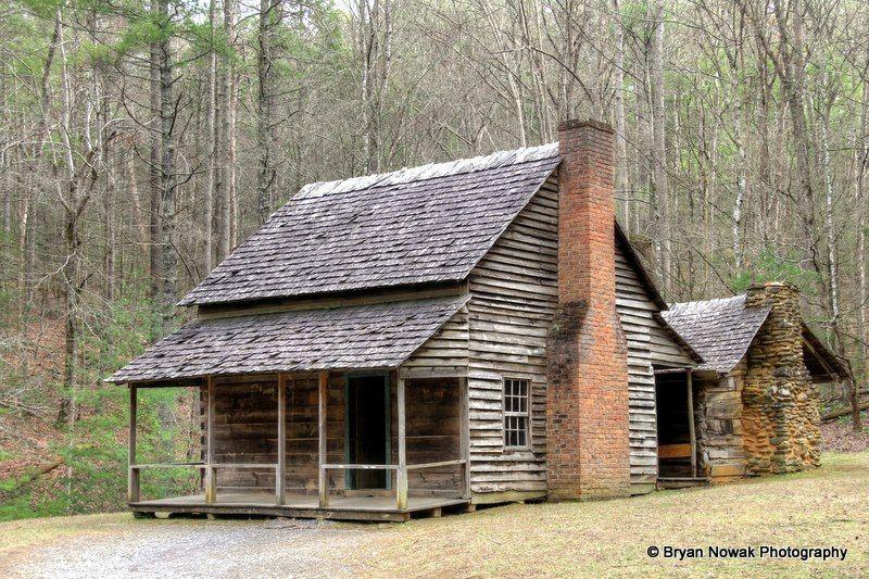Pin By David Hallmark On Home Ideas Log Cabin Rentals Rustic Cabin Cabin