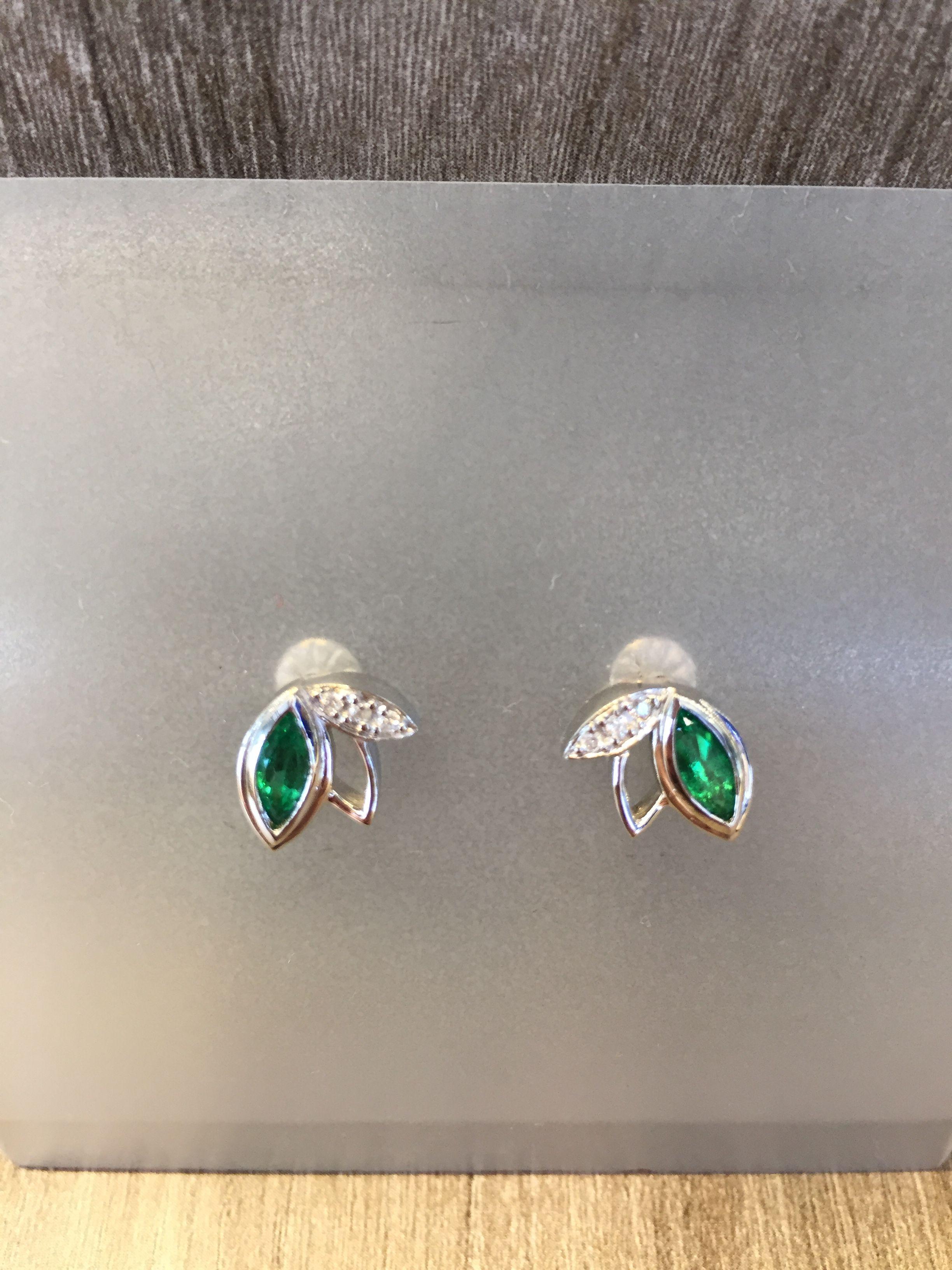 ca4108269310 Topos en oro blanco con esmeraldas y diamantes | Joyería en Oro ...