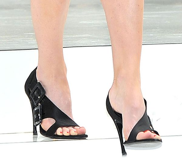 Alice Eve Shoe Moments Do You Like Her Style Shoes