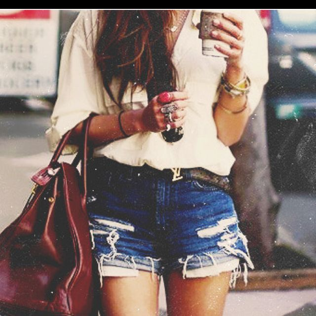 Great look with Starbucks in hand, can't go wrong