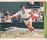 Kenneth Robert Rosewall è un ex tennista australiano, grandissimo campione con una particolarità: mancino naturale, sin dalla giovane età è stato impostato a giocare a tennis con la mano destra.