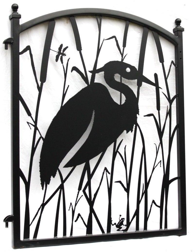 Garden Fence Gate Heron Metal Art Ornamental Iron Art Fence Garden Gate Heron Howtobu Gartenzaun Zaune Und Tore Garten