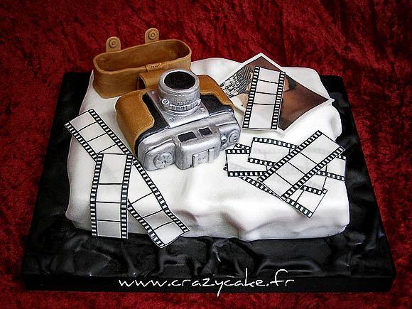 Love it- photography theme cake!