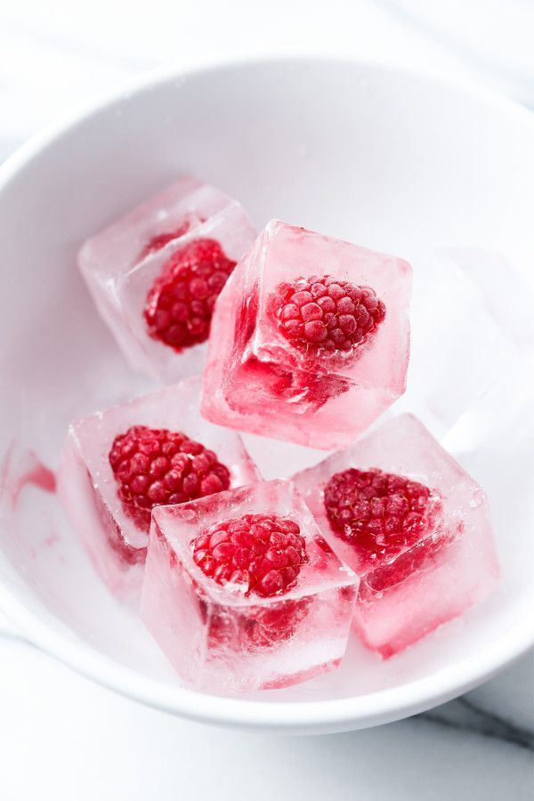 Photo of Make raspberry ice cubes for festive holiday cocktails – #holiday …