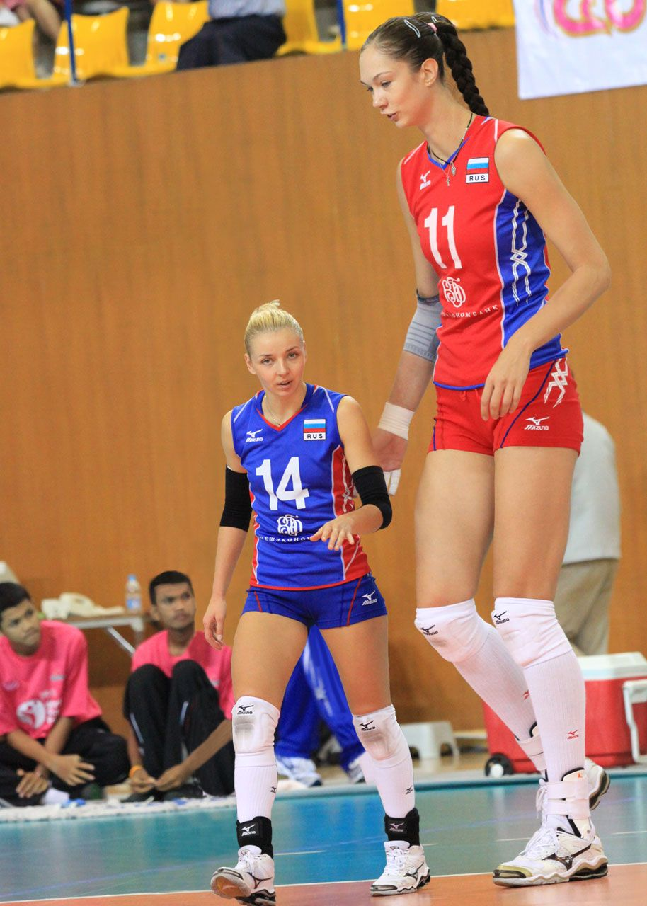 Ekaterina Gamova And Teammate By Lowerrider On Deviantart Female Volleyball Players Tall Women Tall People