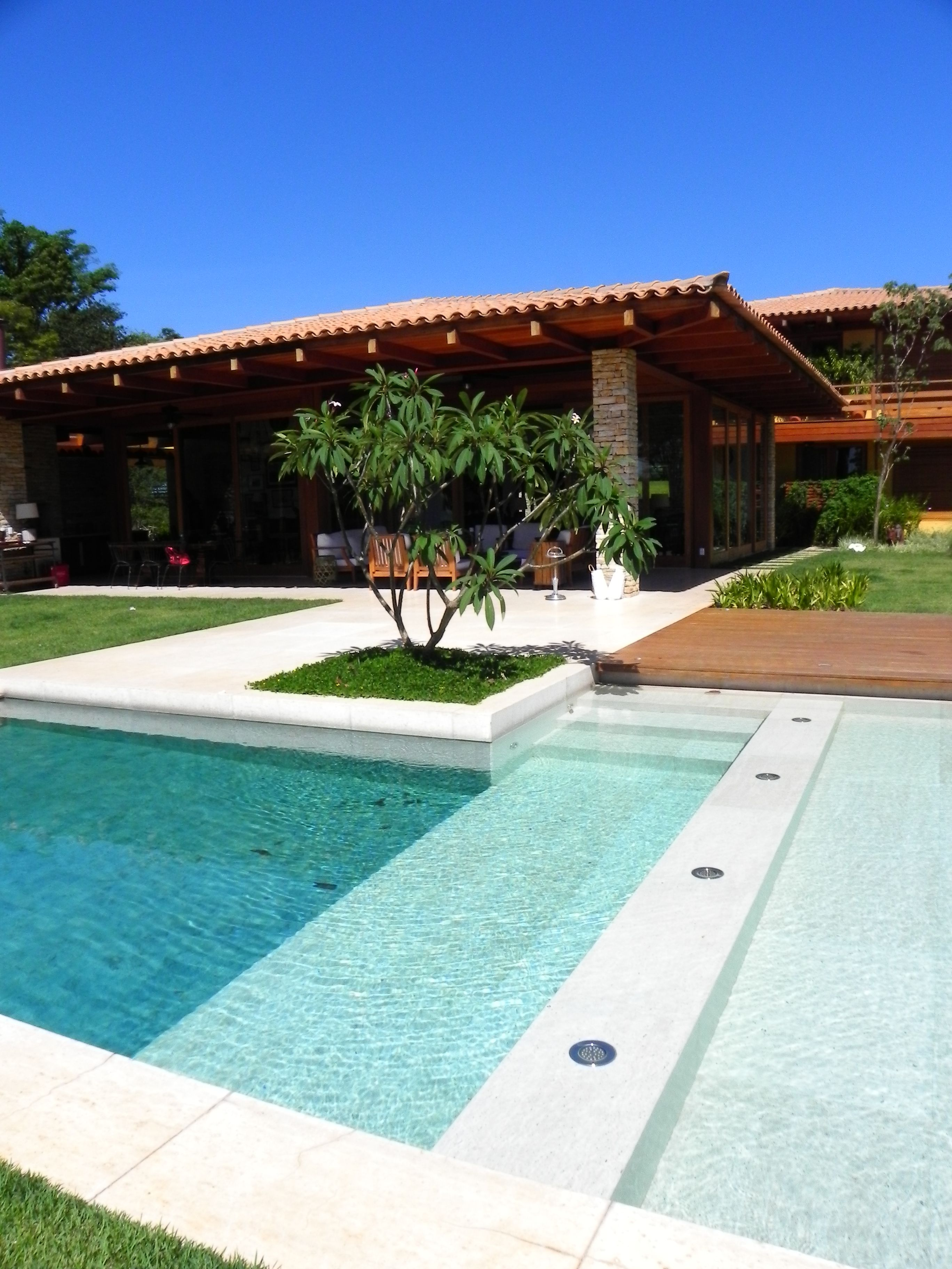 Piscina Design Jacuzzi Where Tree Is Pool Ideas Piscinas Con Deck Piscina