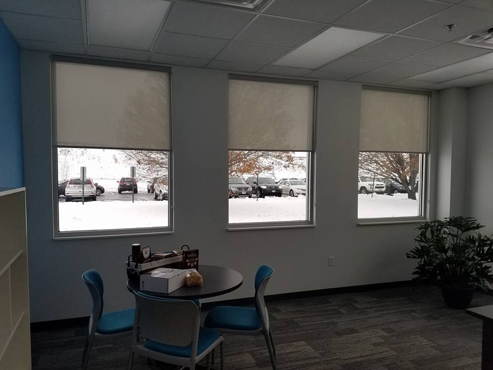 Window Shades - Solar Roller Blinds http://www.toledo-window-treatments-windows-blinds-coverings-drapery.com/