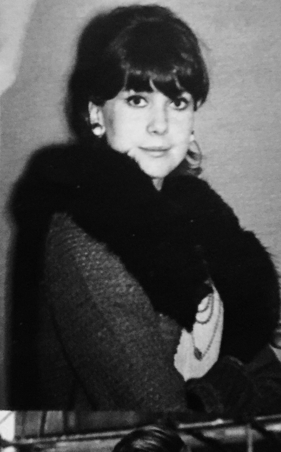 Catherine Deneuve jeune et brune