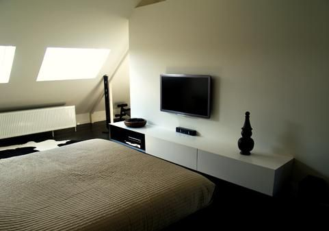 Reid senepart architecten interieur renovatie dendermonde slaapkamer verbouwen van - Deco master suite met badkamer ...