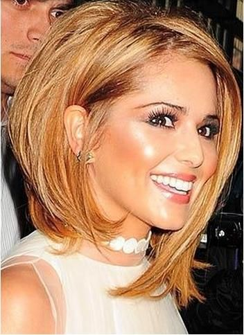 Tagli capelli medio lunghi asimmetrici