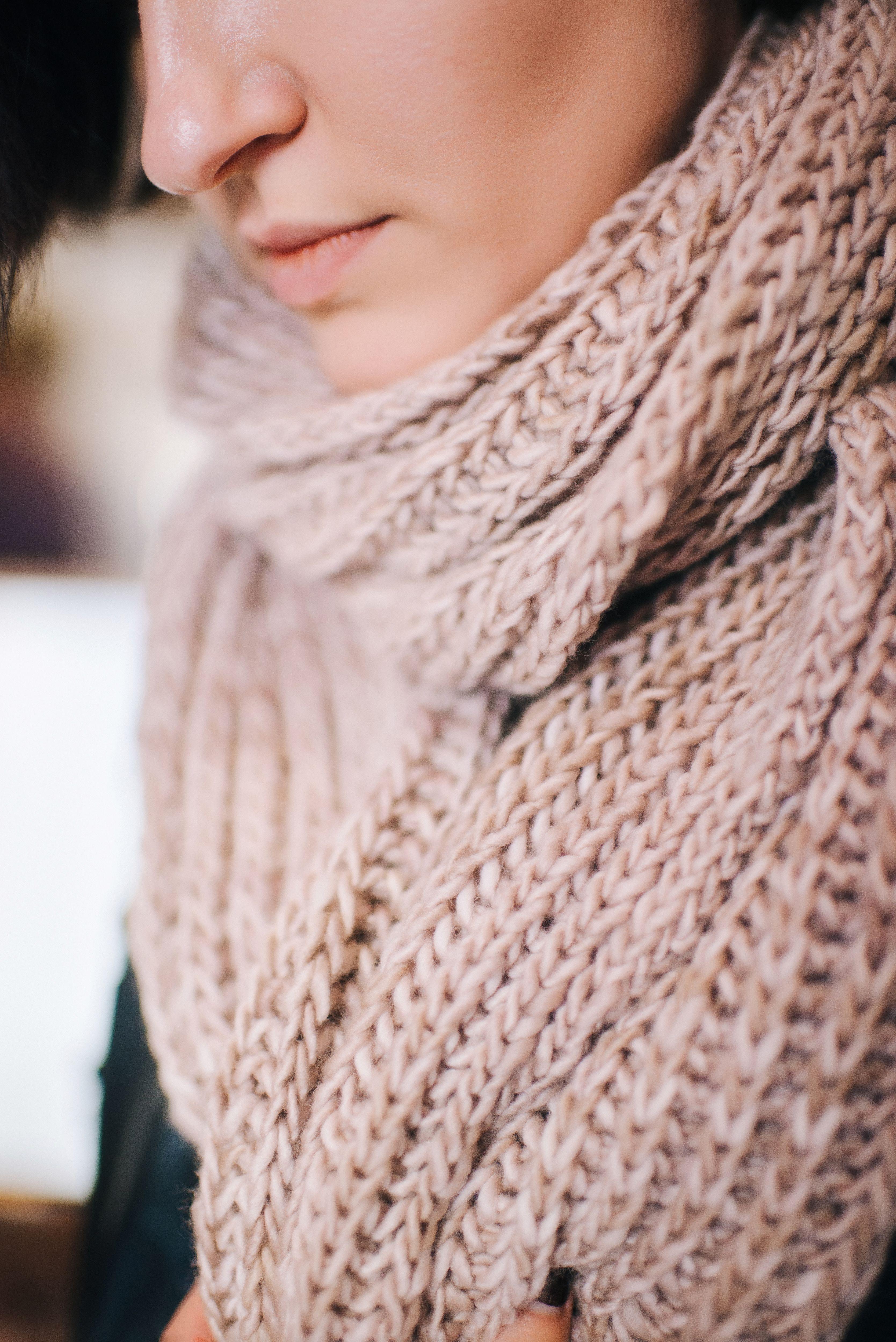 Chunky Knit Scarf in Malabrigo Yarn. FREE KNITTING PATTERN. Check it ...