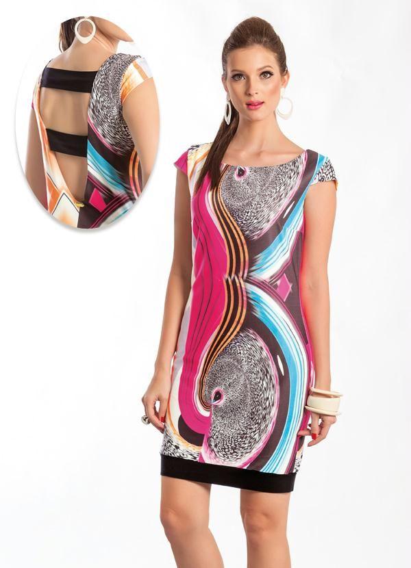 173036b01bb0 Vestido Tubinho com Decote nas Costas Abstrato   Vestidos   Roupas ...