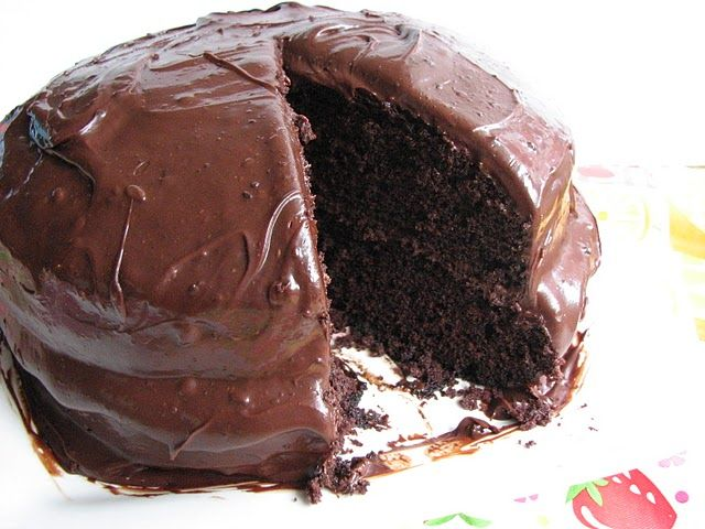 old fashioned chocolate cake with glossy chocolate icing I will