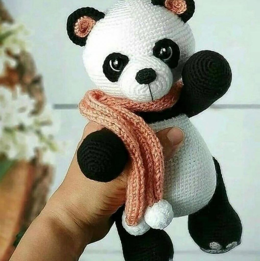 Baby Panda Amigurumi Pattern – DIY Geekery | 1024x1018