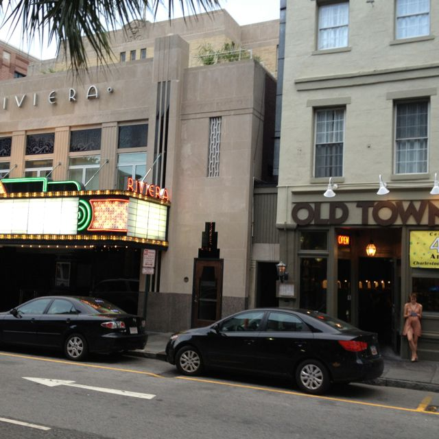 King St Charleston Sc: King Street Charleston SC.. I Went To A Movie In The