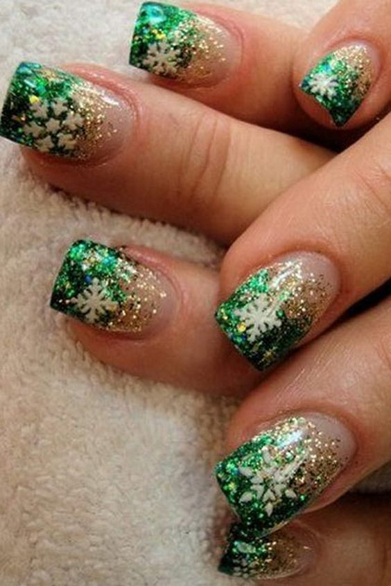 40 Cute Nails Design For Christmas Holidays #26 | Easy christmas ...