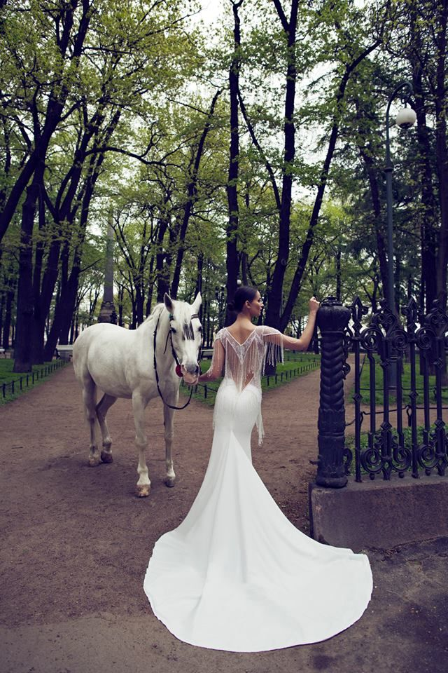 Nurit Hen The White Heart Timeless Wedding Dresses 2016 Collection  (4)